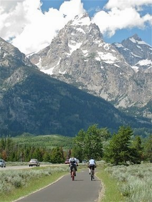 cyclists-near-grand-tetons.png
