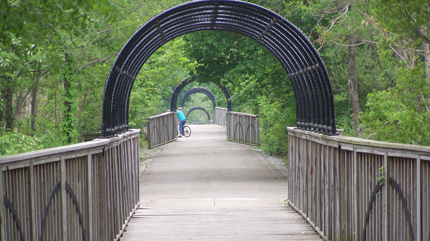 Cardinal Greenway, bridge in Marion Section | Photo by Eric Oberg, courtesy RTC