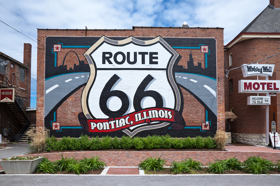 Route 66 mural in Pontiac, Illnois | Photo courtesy iStock by Getty Images
