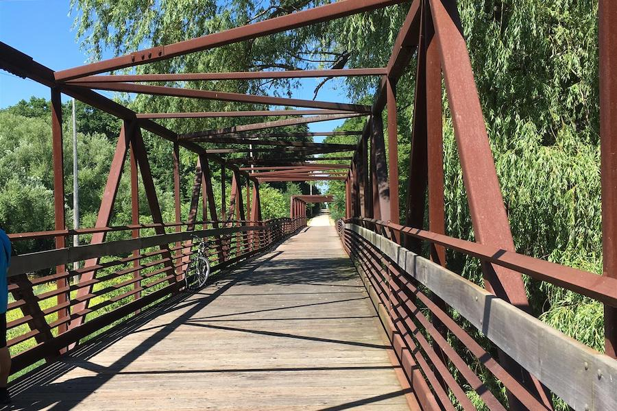 Ozaukee Interurban Trail - Photo by TrailLink user lixunz