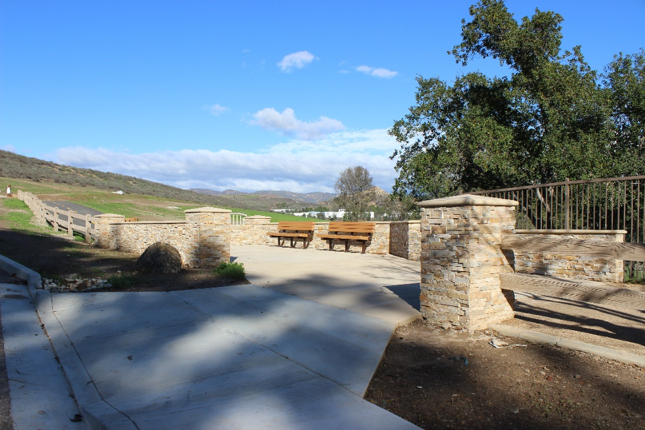 A public entrance to the completed Simi Valley Arroyo Simi Greenway Bike Trail | Courtesy Rancho Simi Recreation & Park District